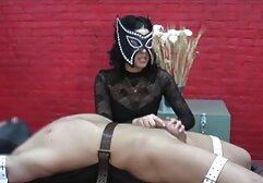 Massaggiare il pene con la bocca vecchie tettone italiane e la vagina.