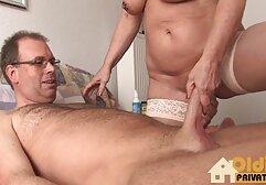 Modello di Webcam mostra figa e culo da video donne vecchie nude vicino.