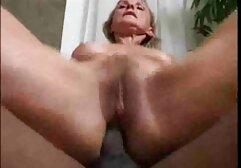 Una xxx porno anziani bella moglie prende un pene che è avvolto nelle guance