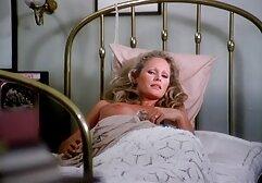 Cornea capezzoli in film porno vecchie pelose calze mostrando elastico tette dopo una doccia e scopare con amante