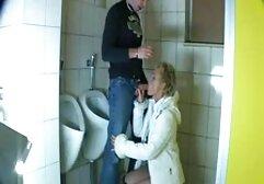Scene donne anziane fanno pompini erotiche con vibratori.